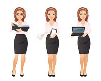 Femme d'affaires dans la chemise rose dans différentes poses Photos stock