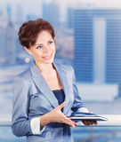 Femme d'affaires dans le bureau Photos stock