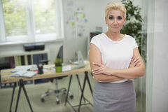 Femme d'affaires dans le bureau Photos libres de droits