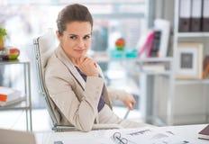 Femme d'affaires dans le bureau moderne Images stock