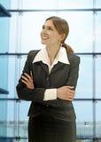 Femme d'affaires dans le bureau moderne Photographie stock libre de droits