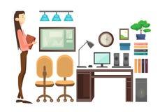 Femme d'affaires dans le lieu de travail de bureau, documents de Hold Paper Contract de femme d'affaires Photographie stock libre de droits