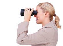 Femme d'affaires de sourire envisageant l'avenir Photo libre de droits