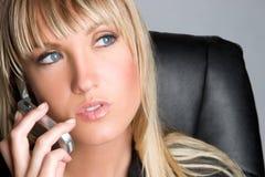 Femme d'affaires de téléphone photo stock