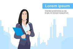Femme d'affaires Document City Skyscraper plat illustration libre de droits