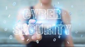 Femme d'affaires employant le rendu de l'hologramme 3D des textes de sécurité de cyber Images libres de droits