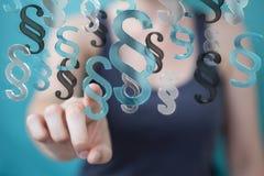 Femme d'affaires employant le rendu du symbole 3D de paragraphe de loi Image stock