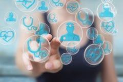 Femme d'affaires employant le rendu médical moderne de l'interface 3D Image libre de droits