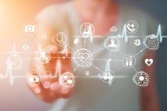 Femme d'affaires employant le rendu médical numérique de l'interface 3D Images libres de droits