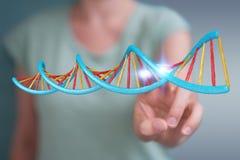 Femme d'affaires employant le rendu moderne de la structure 3D d'ADN Image libre de droits