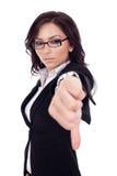 Femme d'affaires faisant des gestes des pouces vers le bas Images libres de droits