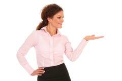 Femme d'affaires introduisant quelque chose Photo libre de droits