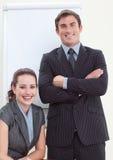 Femme d'affaires lors d'un contact avec son gestionnaire image stock