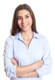 Femme d'affaires mexicaine avec les bras croisés Photos libres de droits