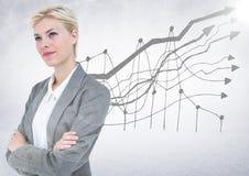 Femme d'affaires pensant sur le griffonnage de graphique et le fond blanc avec la fusée Images stock
