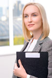 Femme d'affaires professionnelle étant occupée au travail Image libre de droits