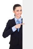 Femme d'affaires retenant le panneau blanc blanc Photos stock