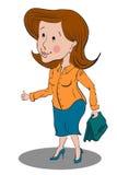 Femme d'affaires se tenant dans un chemisier jaune et une jupe bleue Images stock