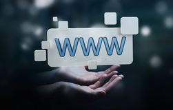 Femme d'affaires surfant sur l'Internet utilisant la barre tactile d'adresse de Web Image stock