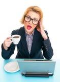 Femme d'affaires tenant la tasse de café photos libres de droits