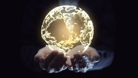 Femme d'affaires tenant le réseau numérique global à disposition Communication d'affaires et concept de technologie banque de vidéos