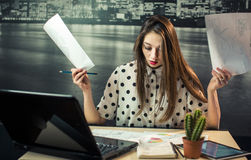 Femme d'affaires Working Stress Photos stock