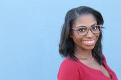 Femme d'afro-américain souriant et riant photos stock