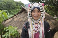 Femme d'Akha en Thaïlande nordique Image libre de droits