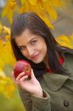 Femme d'automne image libre de droits