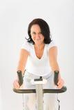 femme d'exercice de bicyclette photo libre de droits