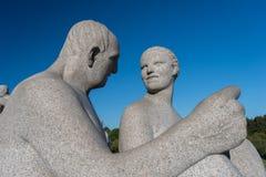 Femme d'homme de statues de stationnement de Vigeland Photos stock