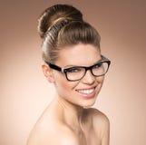 Femme dans des lunettes Photos libres de droits