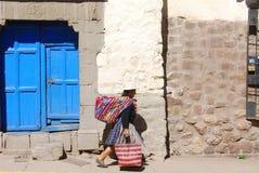Femme dans des vêtements typiques Photos libres de droits