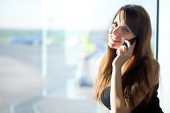 Femme dans l'aéroport Photos libres de droits