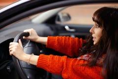Femme dans l'accident de voiture Photographie stock libre de droits