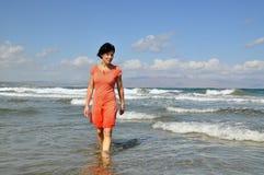 Femme dans l'eau Photos stock