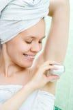 Femme dans la chambre de bain Photo libre de droits
