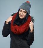 Femme dans la jupe de l'hiver image libre de droits