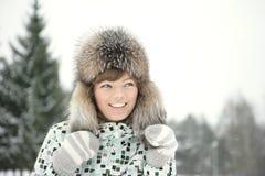 Femme dans la neige photos stock