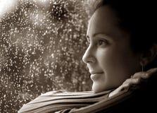 Femme dans la pensée profonde Images libres de droits