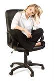 Femme dans la présidence de bureau images stock