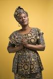 Femme dans la robe africaine.