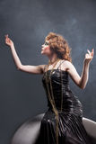 Femme dans la robe démodée Images stock