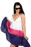 Femme dans la robe d'été avec des lunettes de soleil Photos libres de droits