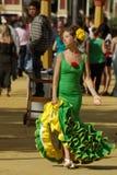 Femme dans la robe de flamenco Images stock