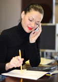 Femme dans le bureau photo libre de droits