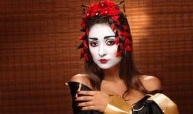 Femme dans le costume oriental traditionnel Image stock