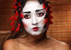 Femme dans le costume oriental traditionnel Photographie stock