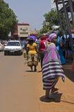 Femme dans le regard de Venda en Afrique du Sud Photos stock