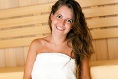Femme dans le sauna Images stock